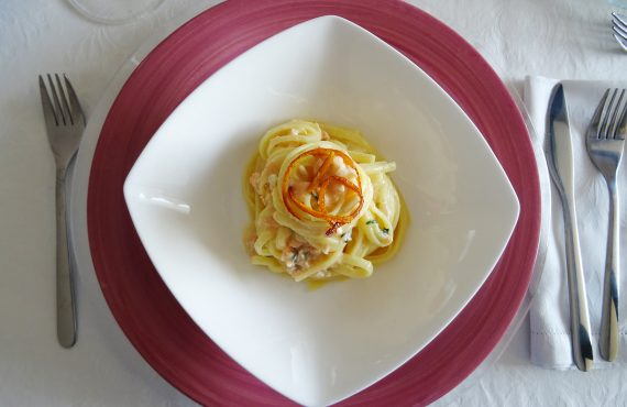 Linguine with salmon