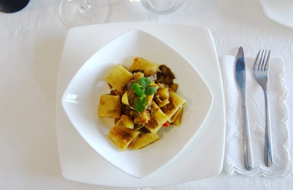 Mezzi Paccheri with artichokes and potatos
